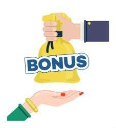 En hand sträcker fram en gul säck med texten bonus. under är en kvinnohand som tar emot säcken