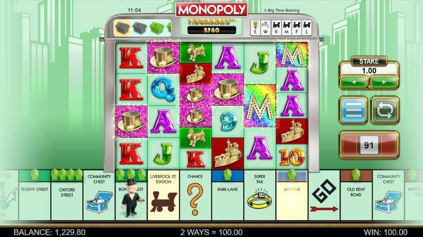 Bilden visar Monopoly Megaways. I mitten syns spelytan med monopolsymboler och bokstäver. Under syns klassiska delar av originalspelet.