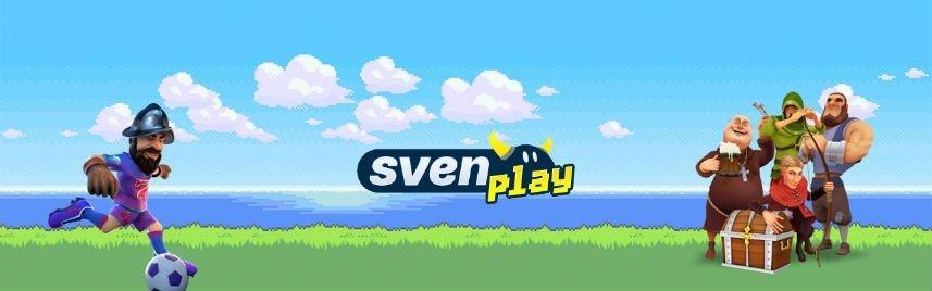 Grafik från SvenPlay Casino. Vi ser karaktären Gonzo från Gonzos Quest spela fotboll till vänster. I mitten ser vi SvenPlays logga, till höger står fyra karaktärer samlade runt en kista, i bakgrunden syns en gräsmatta som mynnar ut i ett öppet hav, små moln syns på den annars klara blåa himmelen.