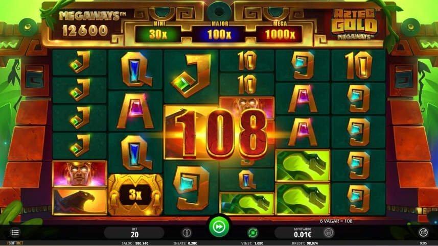 På denna bilden ser vi en vinst i Aztec Gold Megaways. Över spelytan flyter siffran 108 som indikerar att 108 mynt har vunnits. Spelytan i sig består av symboler i form av bokstäver och exotiska djur.