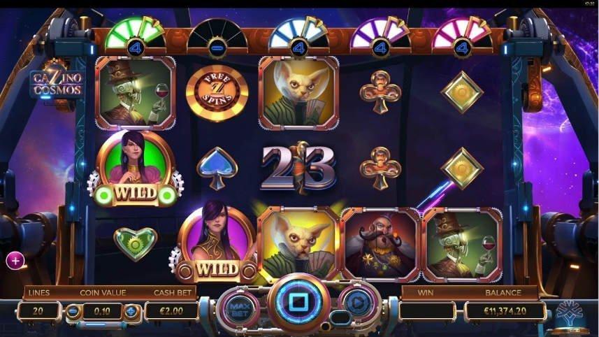 Skärmbild från spelet Cazino Cosmos. Merparten av bilden täcks av själva spelytan där vi ser casinosymboler i form av rymdvarelser och människor samt symboler från kortspel. Nedan ser vi kontrollytan med bland annat saldo, myntvärde, vinstlinjer och startknapp.