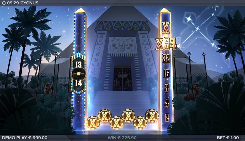 Multiplier i casinospelet Cygnus från ELK Studios. På spelet ser vi spelytan med 6 x symboler. Vi ser även x64 multipliern samt bakgrunden med en pyramid.
