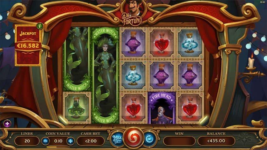 På bilden ser vi casinospelet Dr Fortuno. Spelytan är inramad i vad som liknar en droska. I spelytan ser vi symboler i form av olika elixir och häxor. Nedanför ser vi kontrollytan med vinstlinjer, myntvärde, insats, startknappar, vinst och saldo.