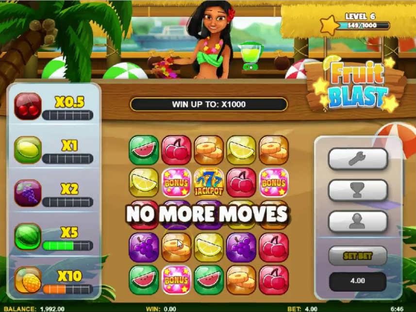 Här ser vi casinospelet Fruit Blast. Högst upp står en kvinna vid en bar. Nedanför ser vi spelytan som är fylld av symboler föreställande olika frukter. Till vänster ser vi kontrollfältet.