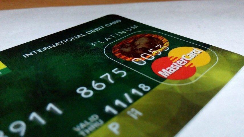 Betalkort är en vanligt alternativ för betalningar