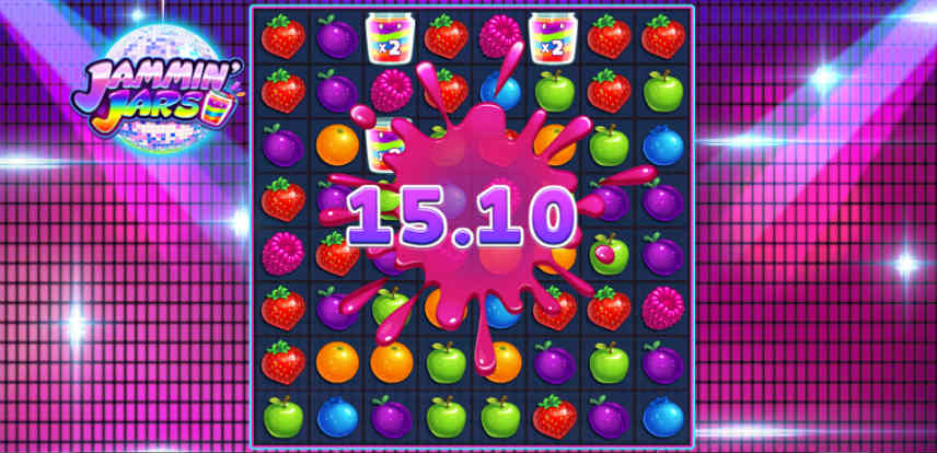 Bilden visar spelytan fylld av olika fruktsymboler. I mitten syns att det är en vinst då det står 15.10 över skärmen.