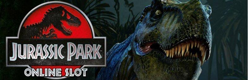 Här ser vi Jurassic Parks logotyp. Till höger om logotypen syns en Tyranosaurus Rex