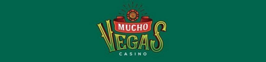 Grön banner. I mitten syns Mucho Vegas logotyp.