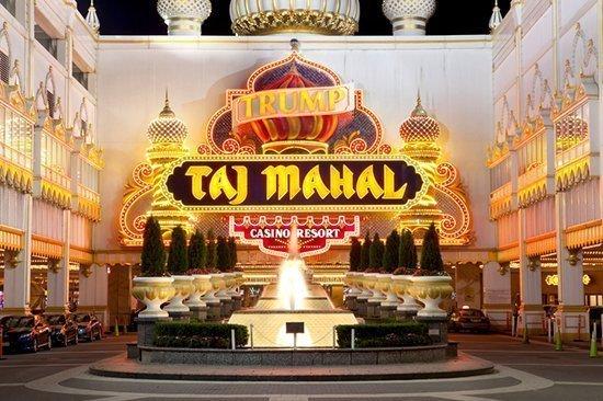 På bilden ser vi insidan av Trumps Taj Mahal Casino Resort.