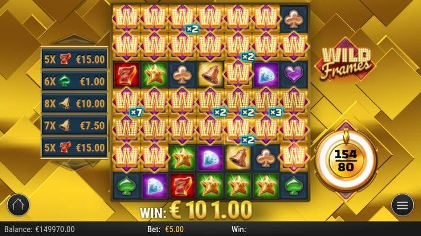 I denna bilden har bonusspelet aktiverats i Wild Frames. Bakgrunden har färgats guldig och större delen av spelfältet är fyllt av wild-symboler. Även en vinst på 101 euro delas ut i bilden.