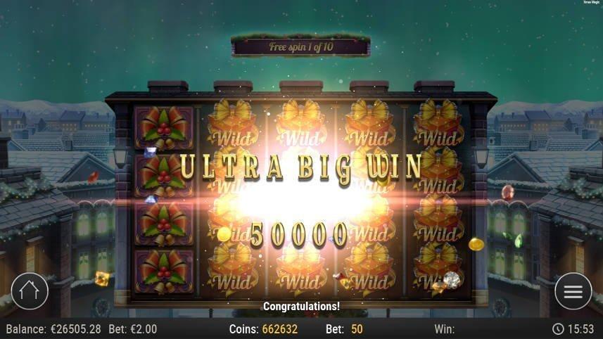 Stor vinst i Xmas Magic. Bilden visar texten Ultra Big Win följt av 5000. I bakgrunden syns basspelet.